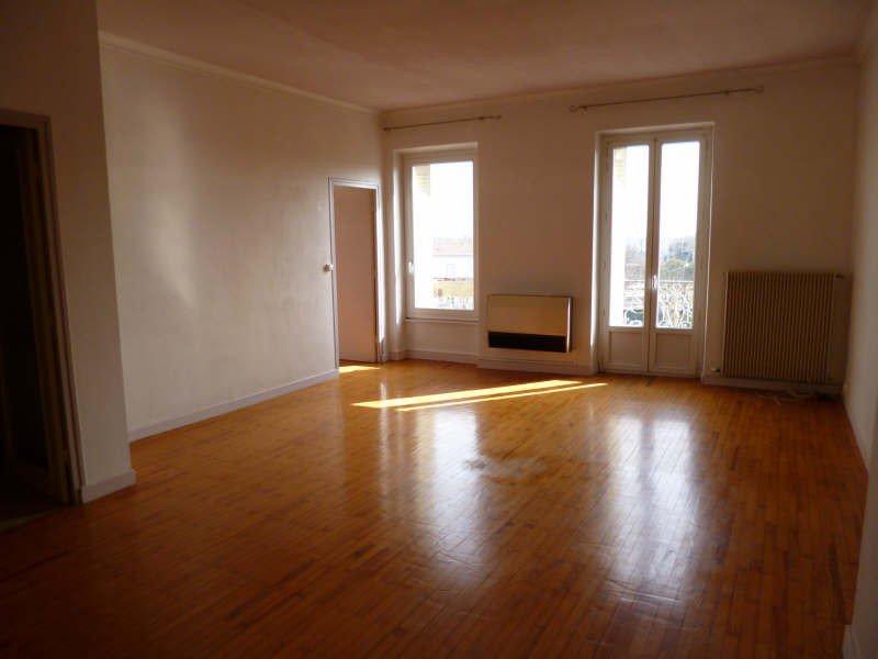 Grand appartement avec balcon
