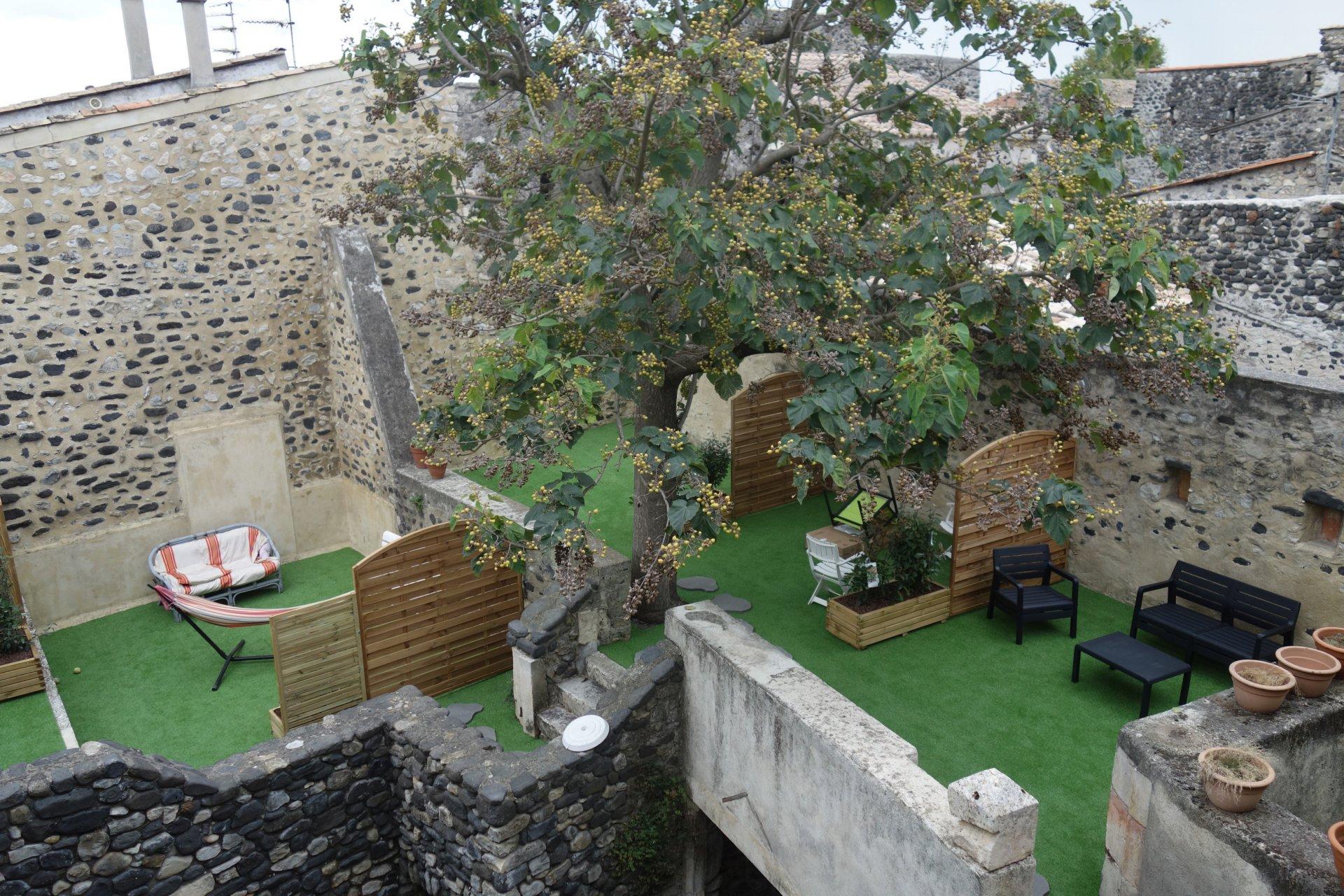 GRAND T3 LUMINEUX avec terrasse