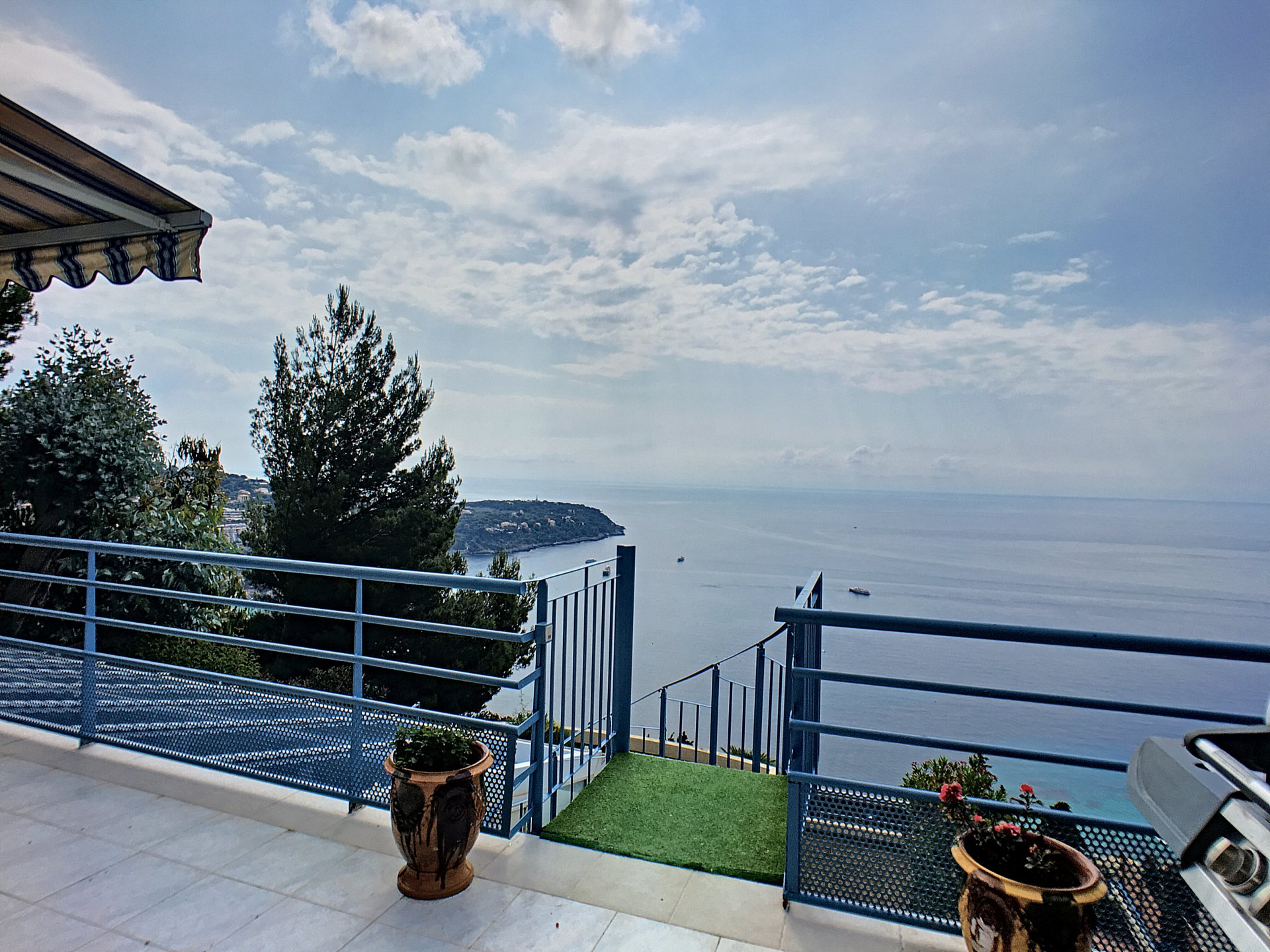 Duplex with 2 terraces and sea view