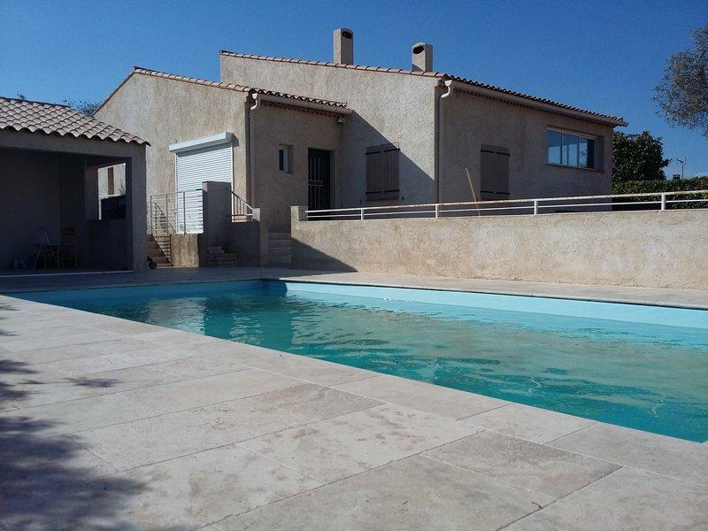 Villa T6 avec jardin et piscine