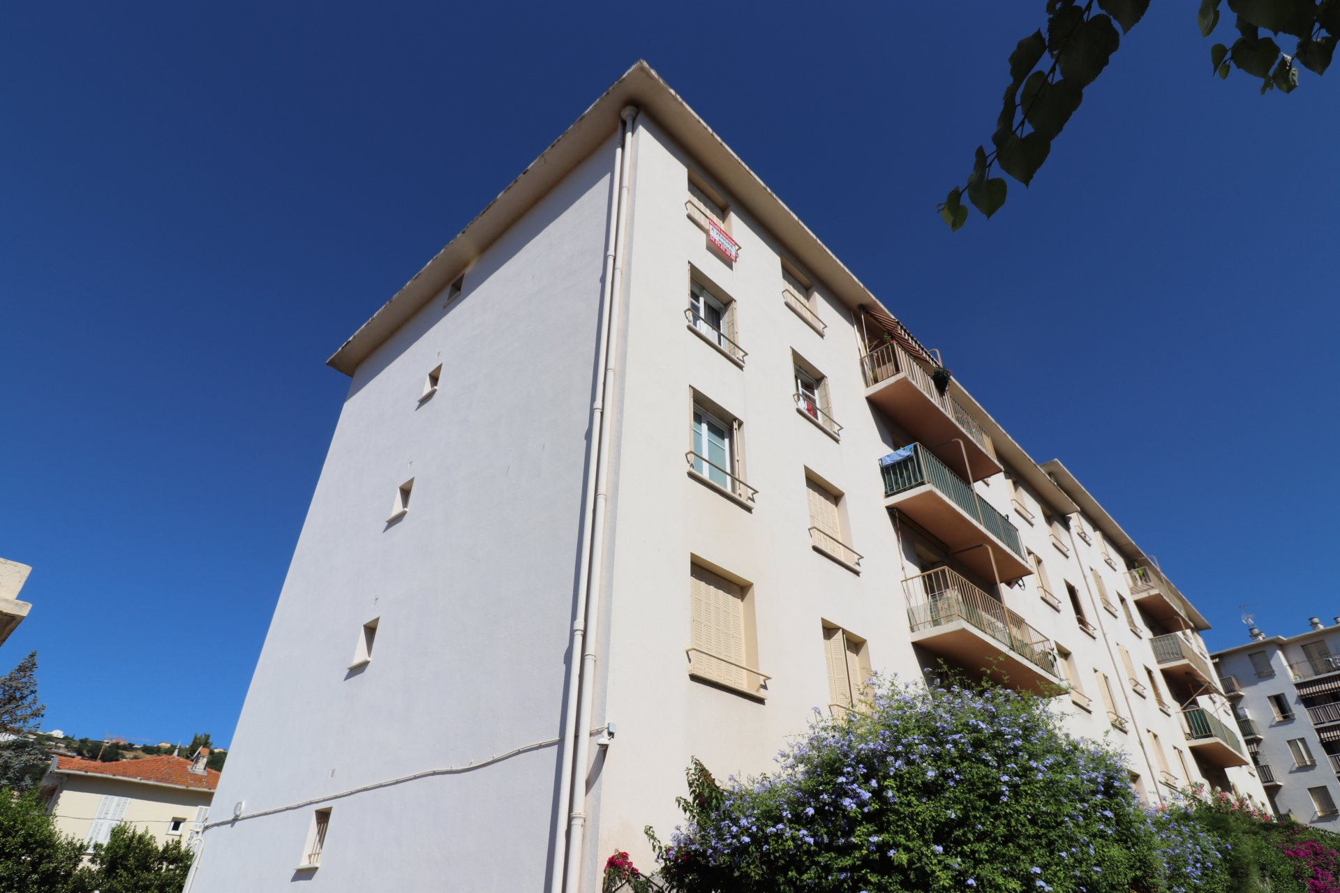 4 pièces dernier étage, balcon, cave