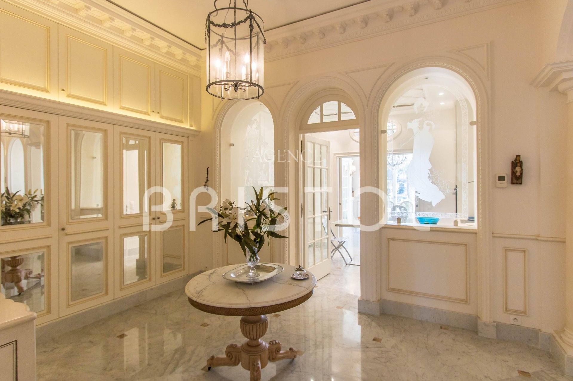 "Magnificent apartment in the Residence ""Le Bristol"" Beaulieu sur mer"