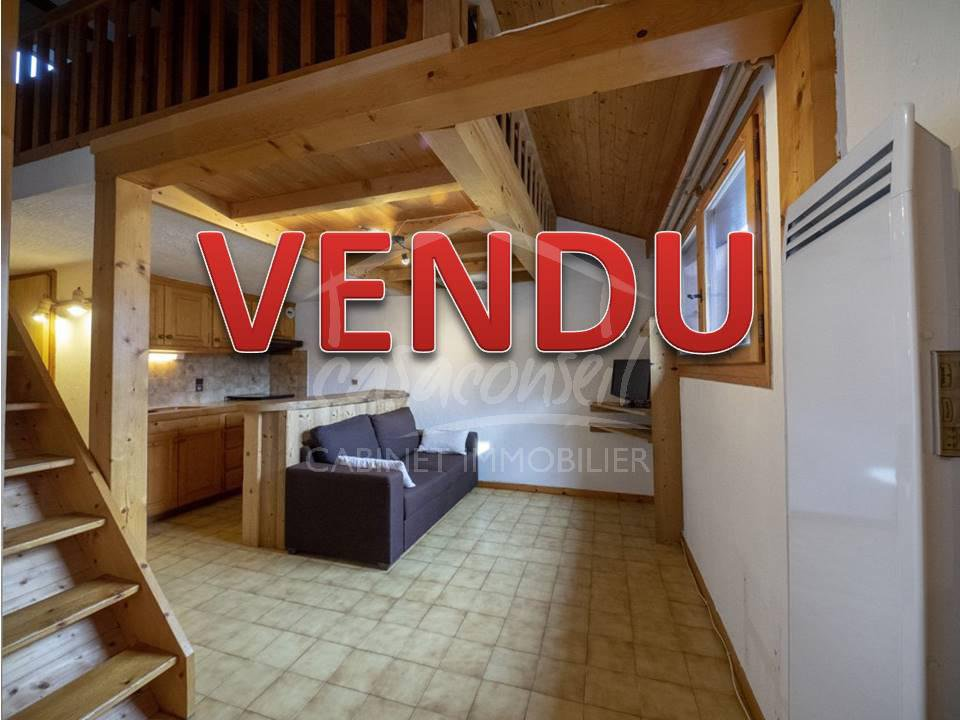 Sumptuous view for this 2 rooms mezzanine located at the foot of the slopes