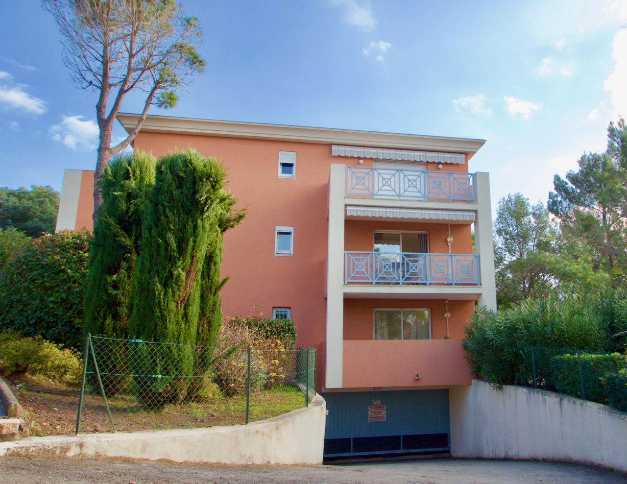 Saint Raphaël - Valescure – 2 bedroom apartment with garage and private parking