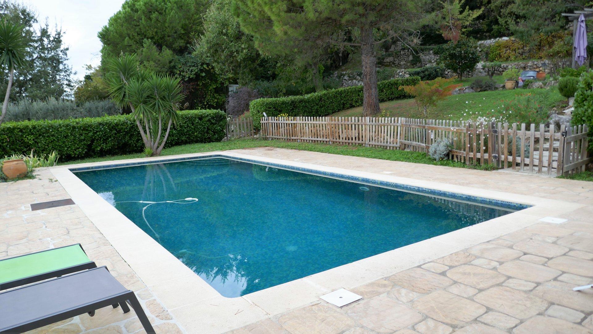 SAINT JEANNET - Villa de 221 m²