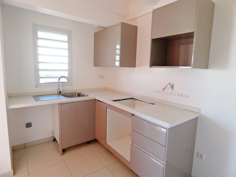 TROIS-ILETS : Maison T4 Duplex NEUVE - Jardin - Terrasses - Proche Plage et Navette