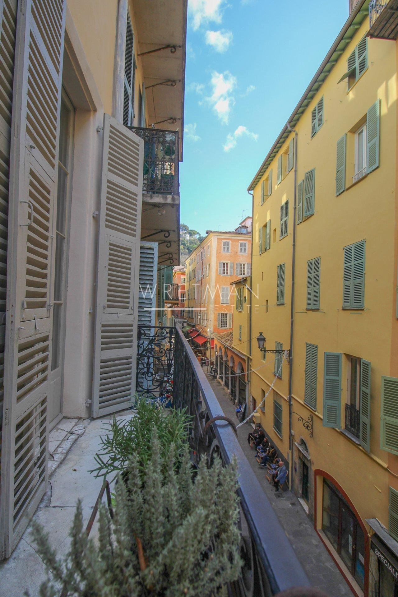 3-bedroom apartment with balcony - Nice Vieux Nice