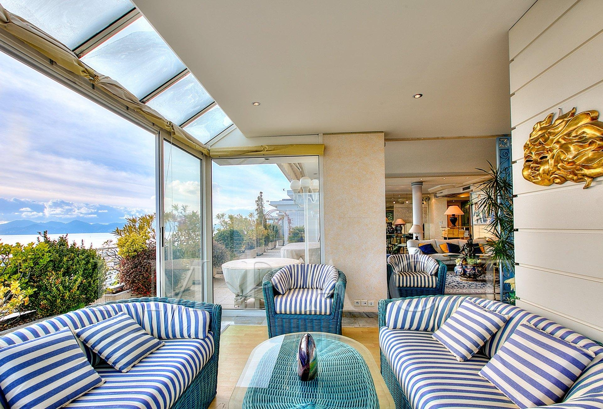 Apartment Villa - Penthouse for sale Cannes Basse Californie