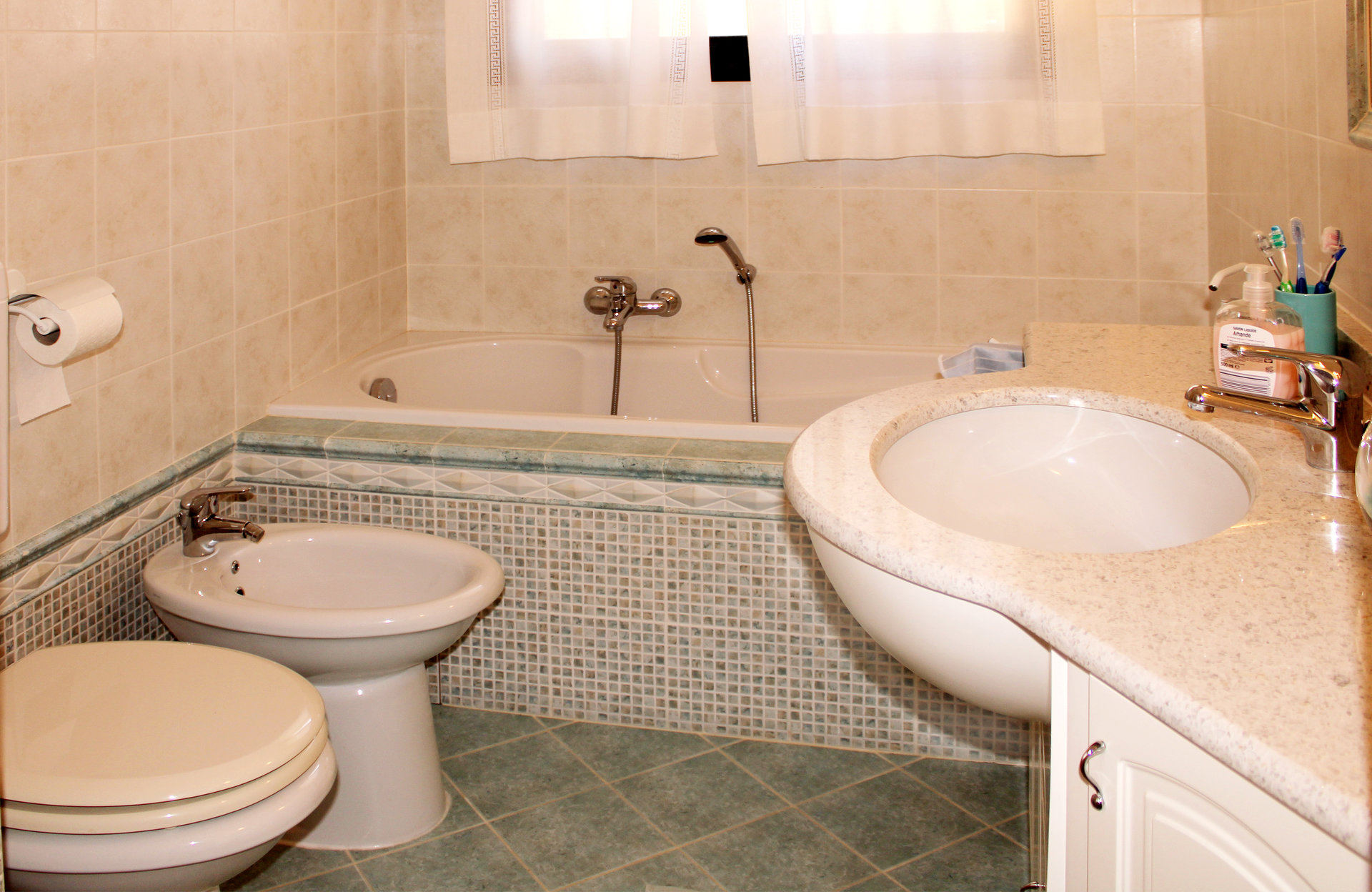 Very beautiful 2/3 rooms of 80 m² with panoramic sea view