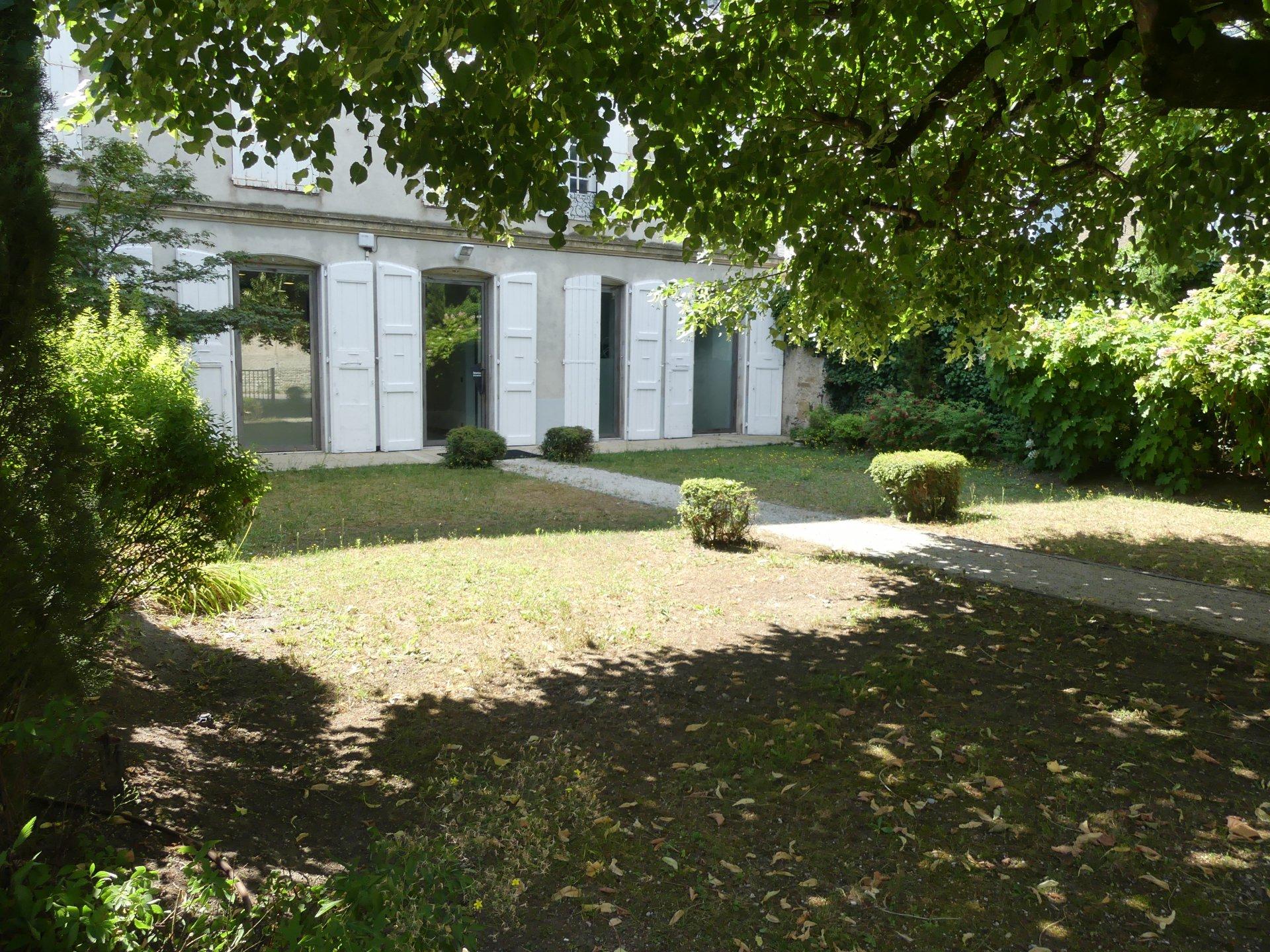 Centre ville st Marcellin 145 m² hab + jardin privé