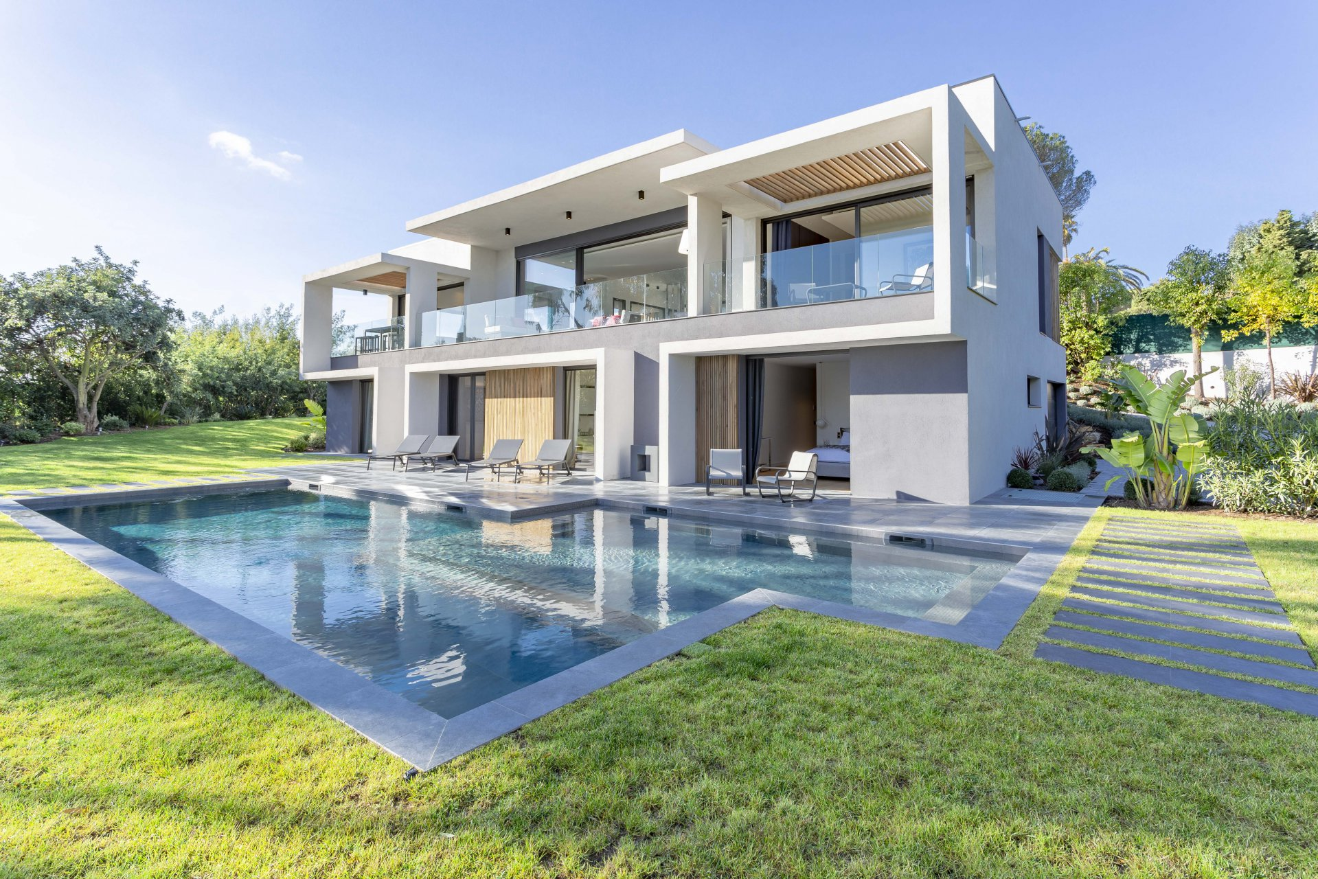 SUPER CANNES - BEAUTIFUL CONTEMPORARY VILLA
