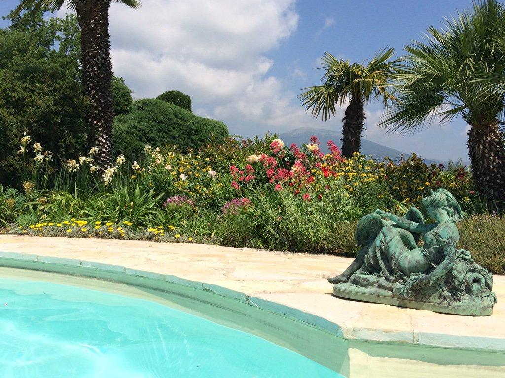 Belle villa de plain pied avec une vue fantastique, Le Rouret