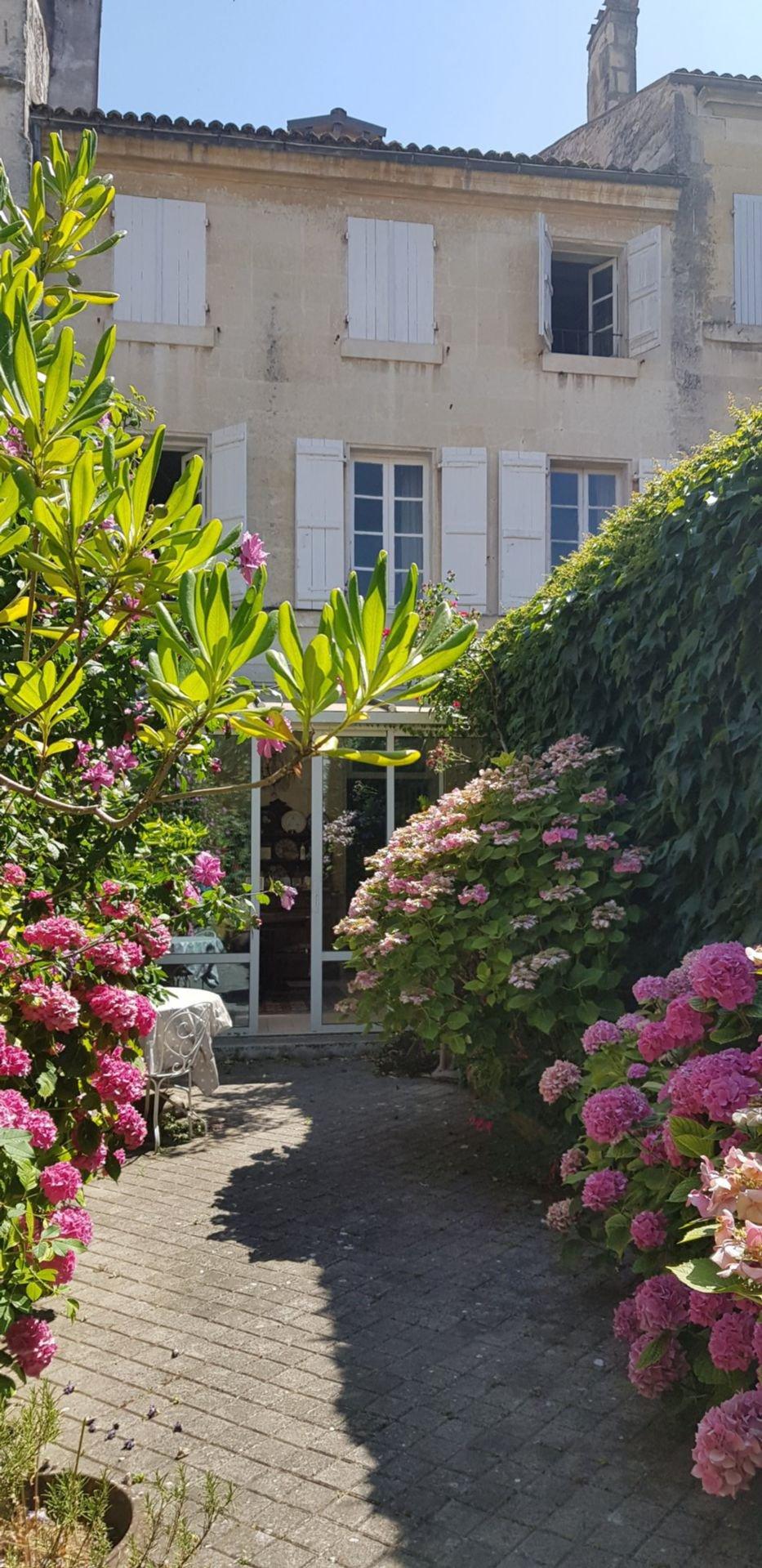 MAISON DE VILLE - Coeur de Saintes Rive Gauche