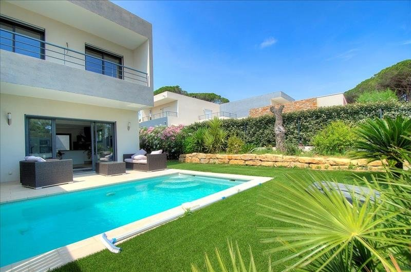 VILLA CONTEMPORAINE 4 PIECES A SAINT RAPHAEL