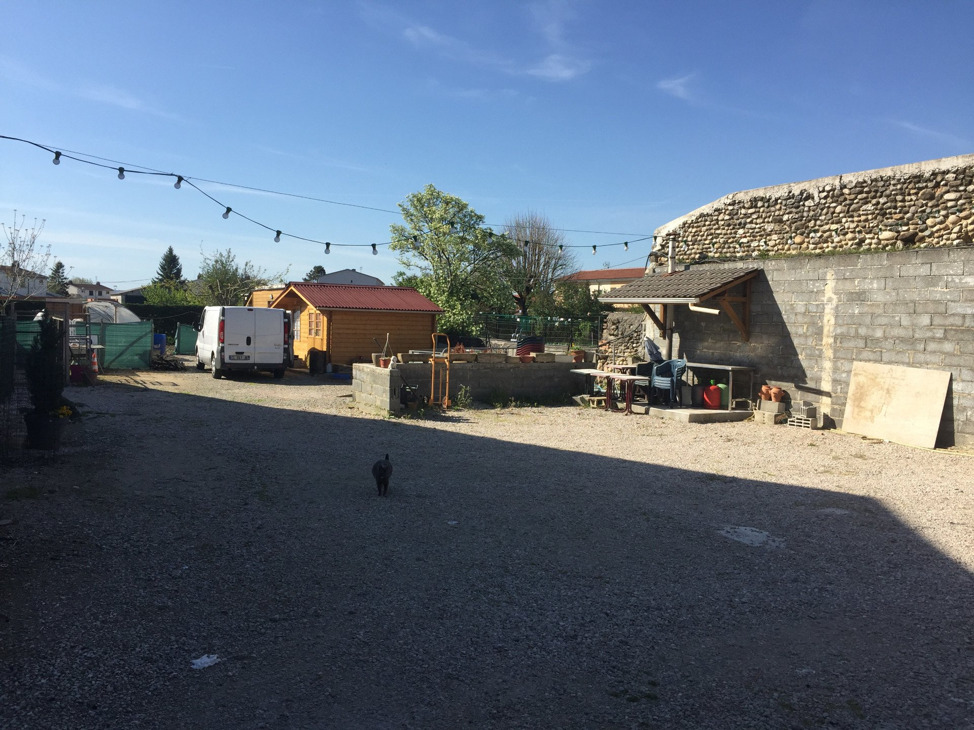 Murs et fonds de logement