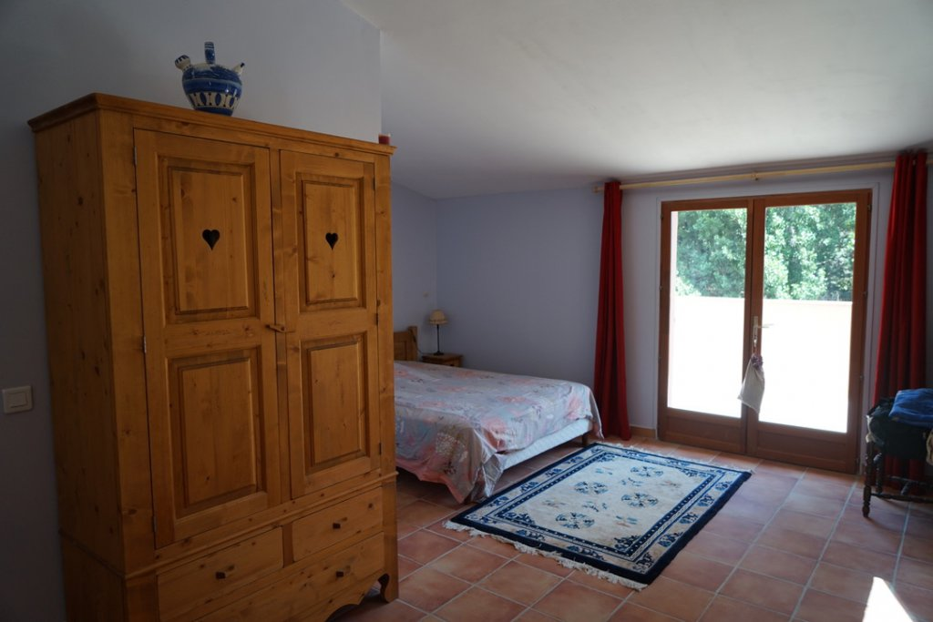3 Bedrooms house, pool, nice view, near by village