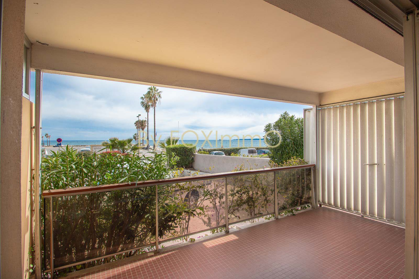 French Riviera Golfe Juan Beachfront