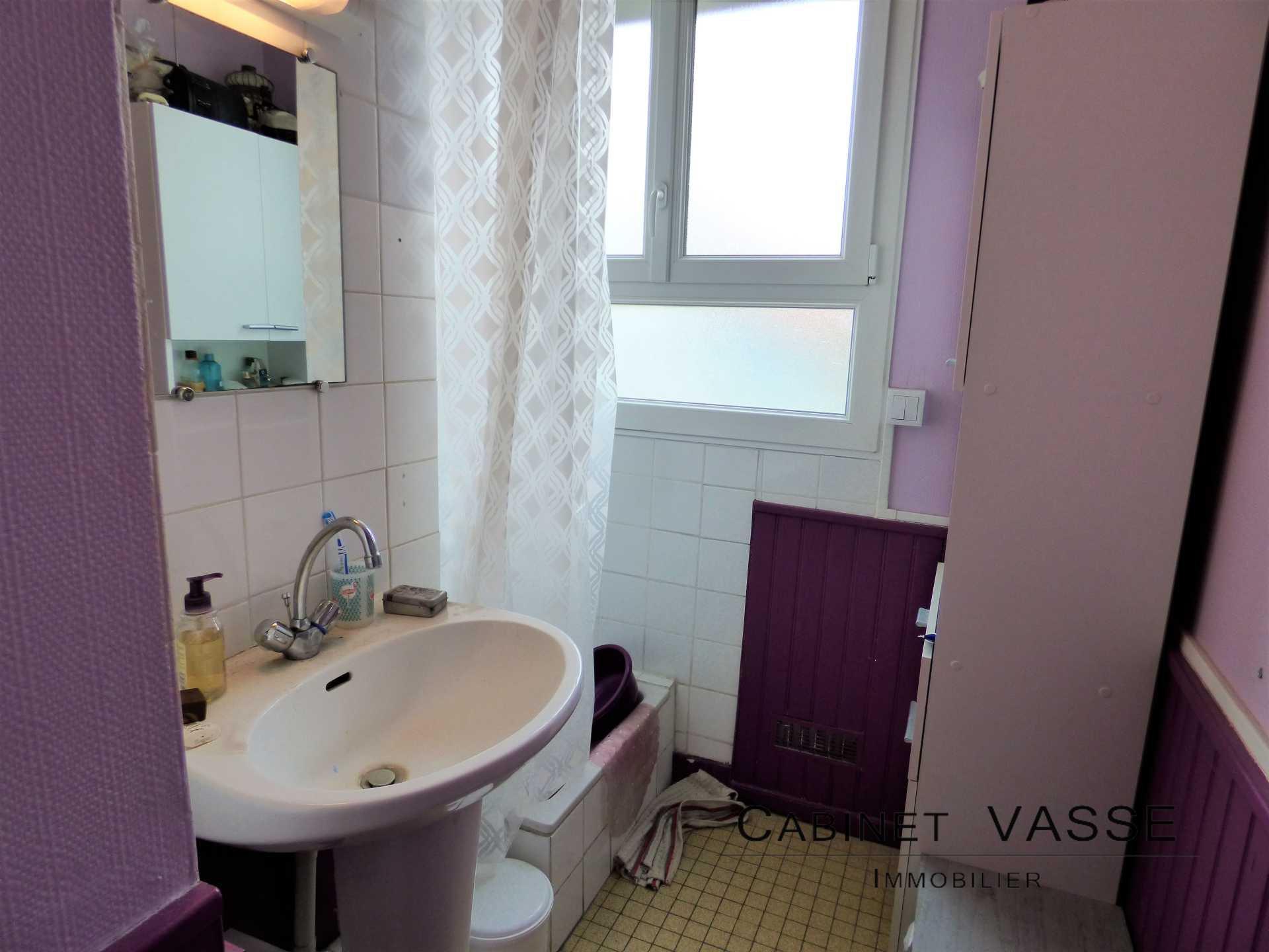 salle d'eau, douche, vasse, a louer