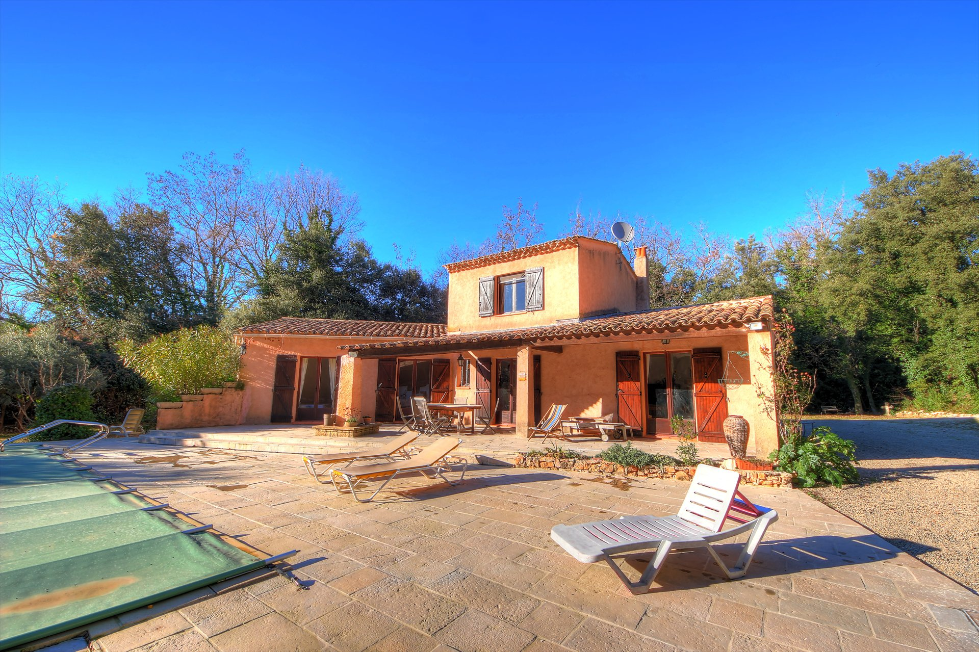 Villa with swimming pool Salernes
