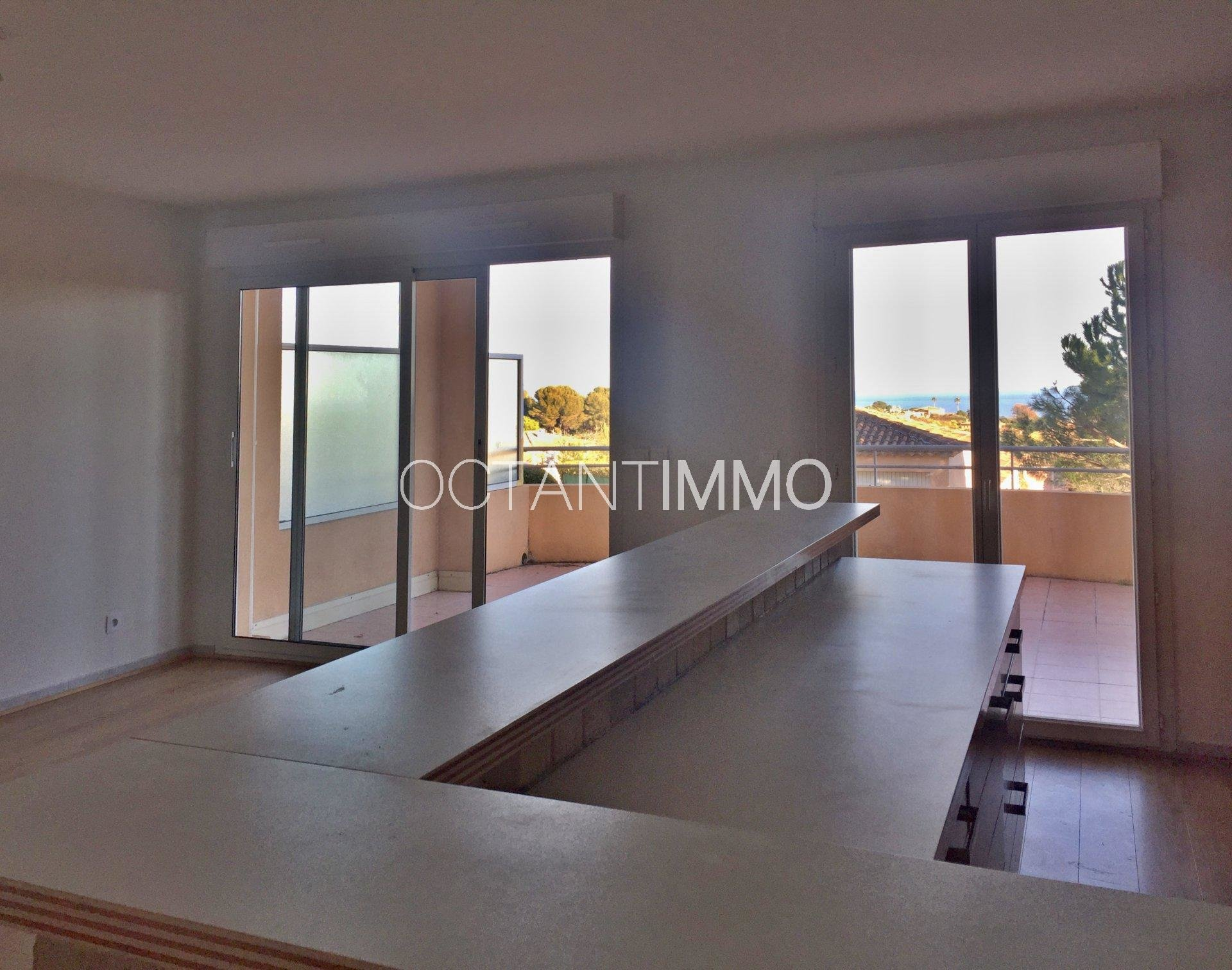 BIOT Sea view 2 bedrooms