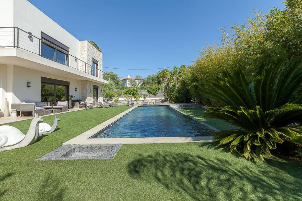 Amazing contemporary villa with pool - Juan les Pins