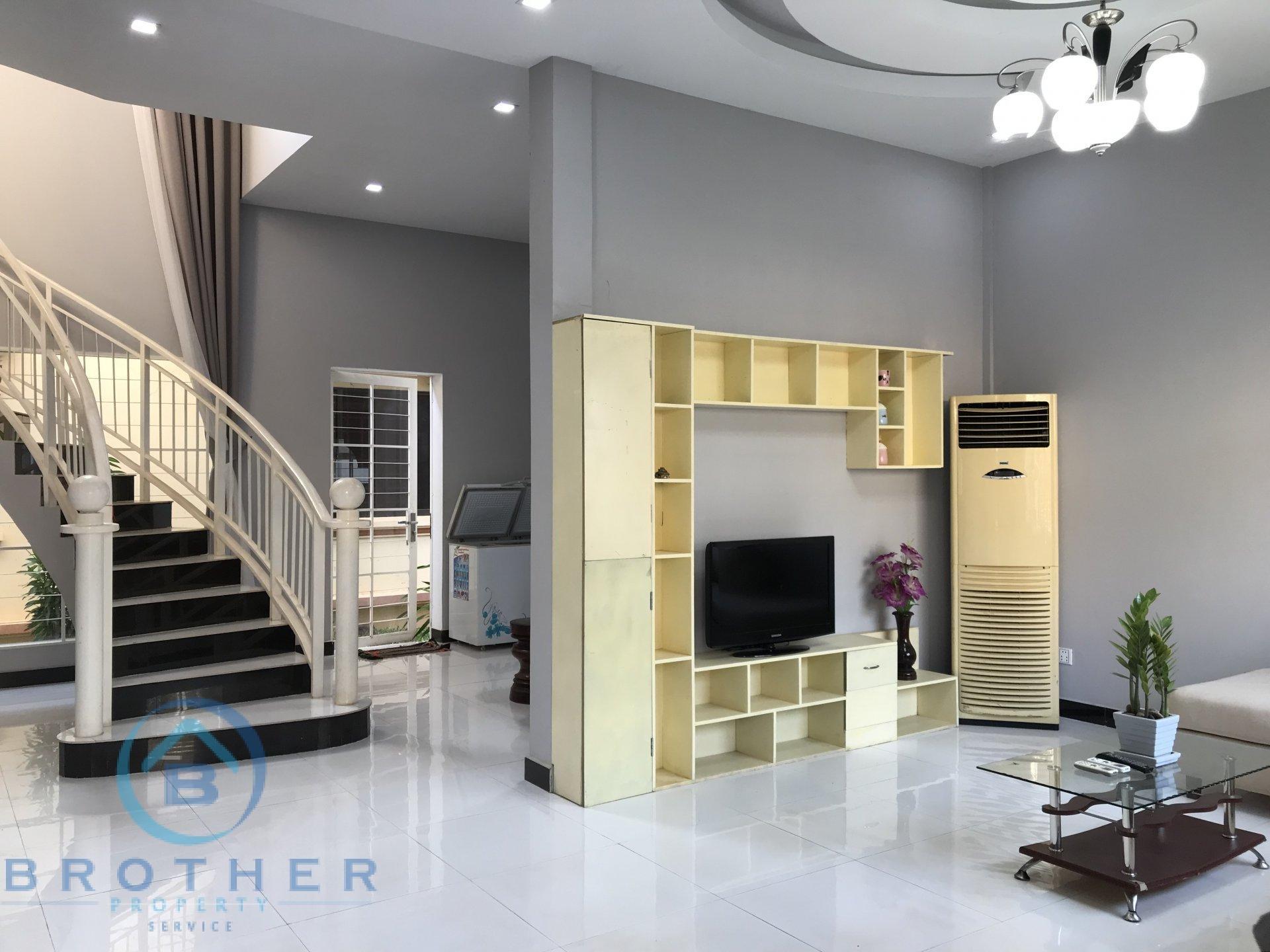 Modern Villa For Rent
