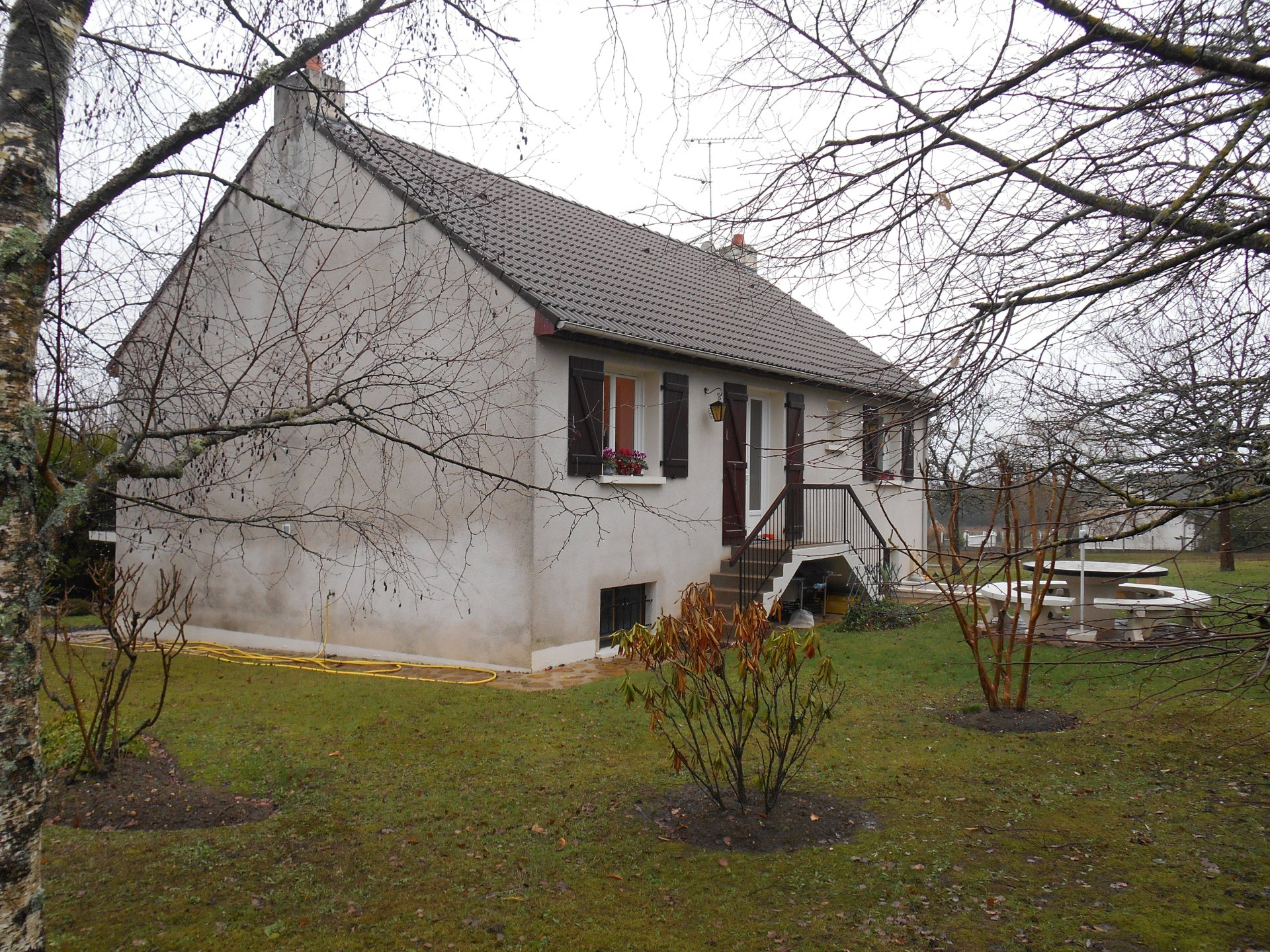 Sale House - Thenioux