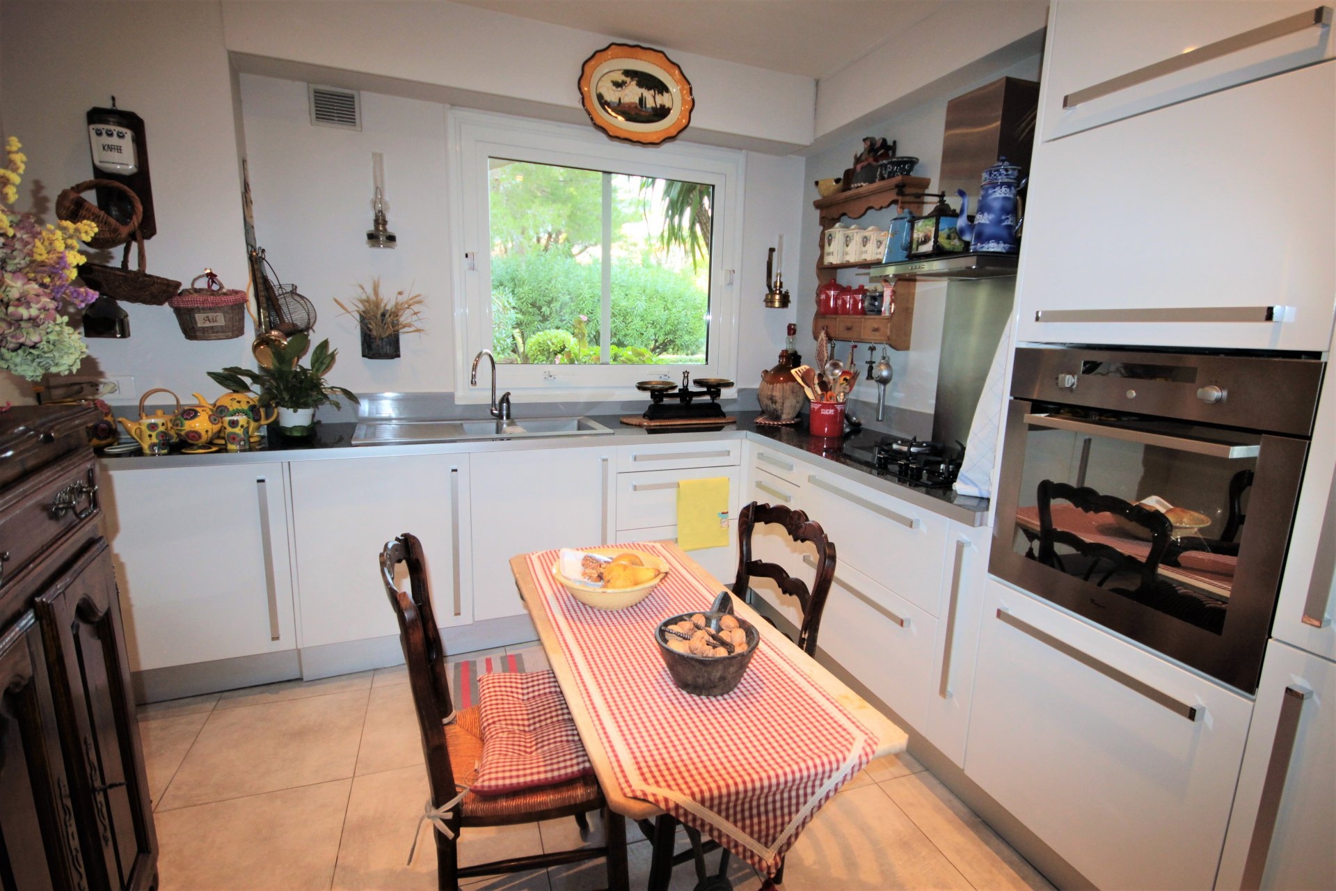 Sale LE CANNET Apartment 3 rooms in garden ground