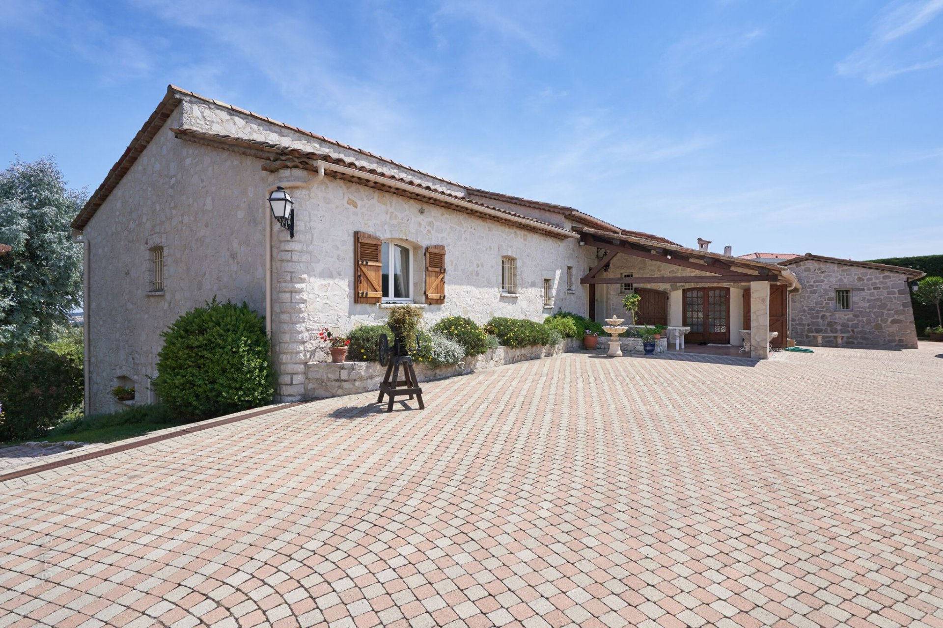 Charming stone house located close to Mougins