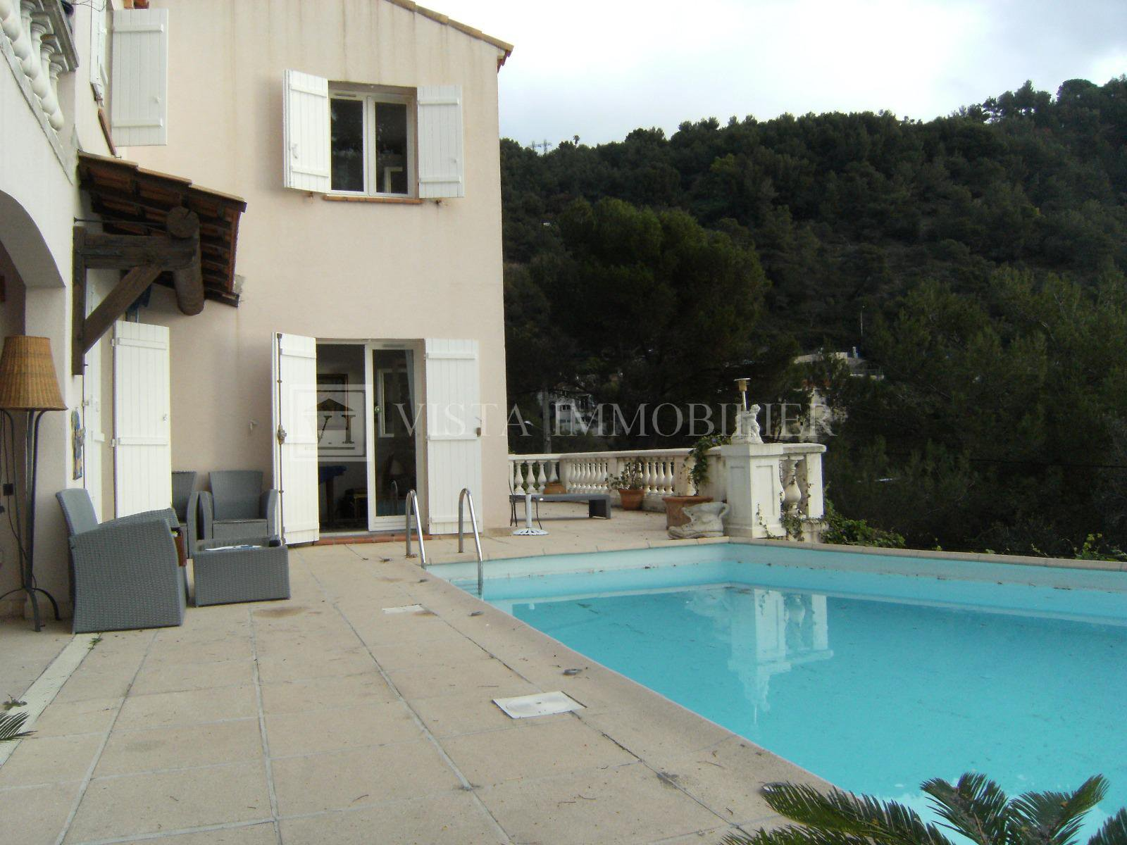 """le  Serret""  Appartement / villa"