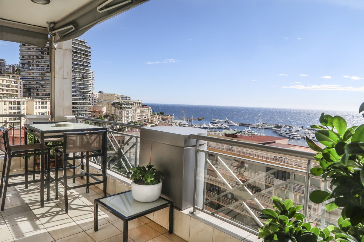 Triplex Penthouse with Panoramic view