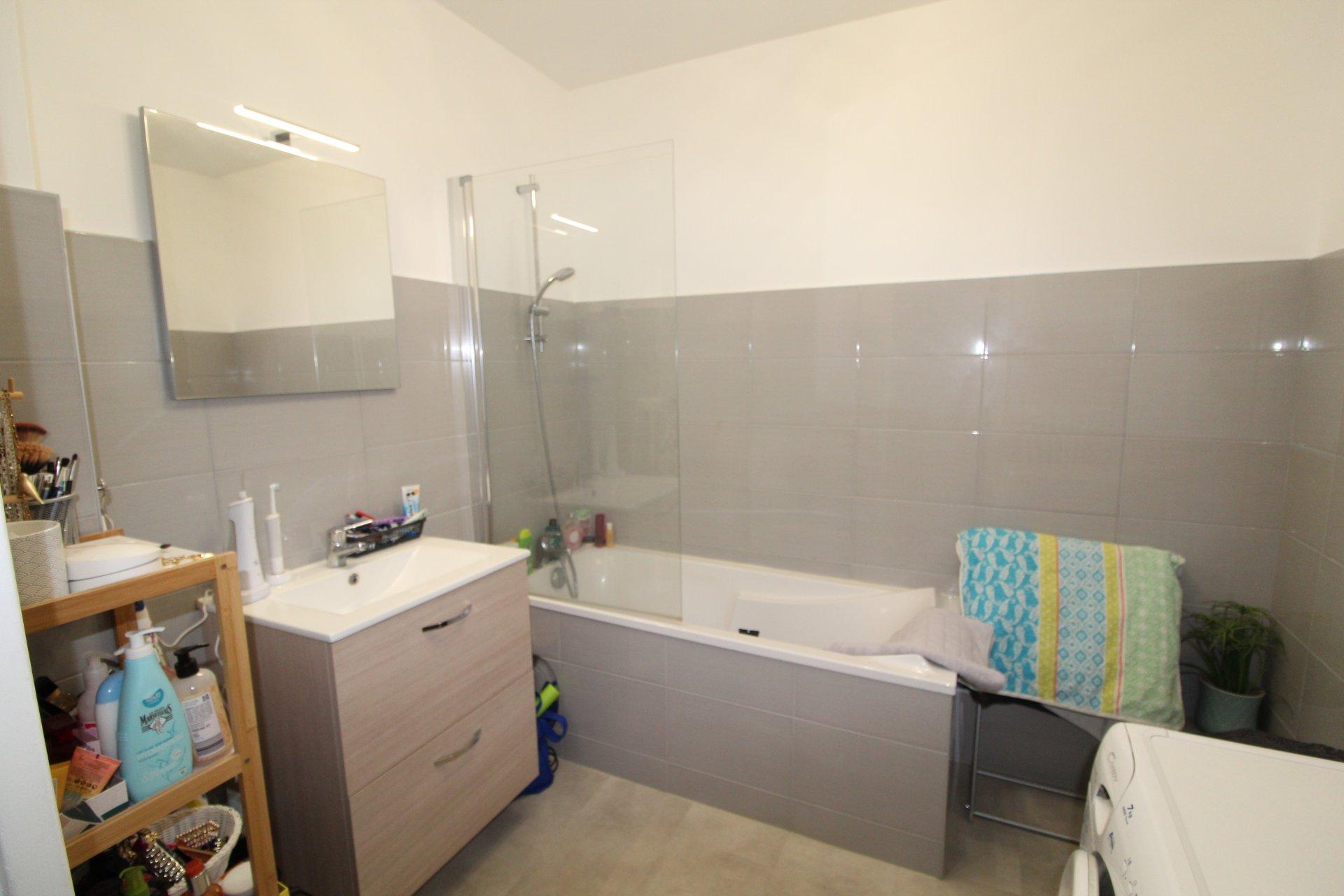 Appartement Saint-Priest en Jarez 4 pièces 74m2 avec balcon et garage