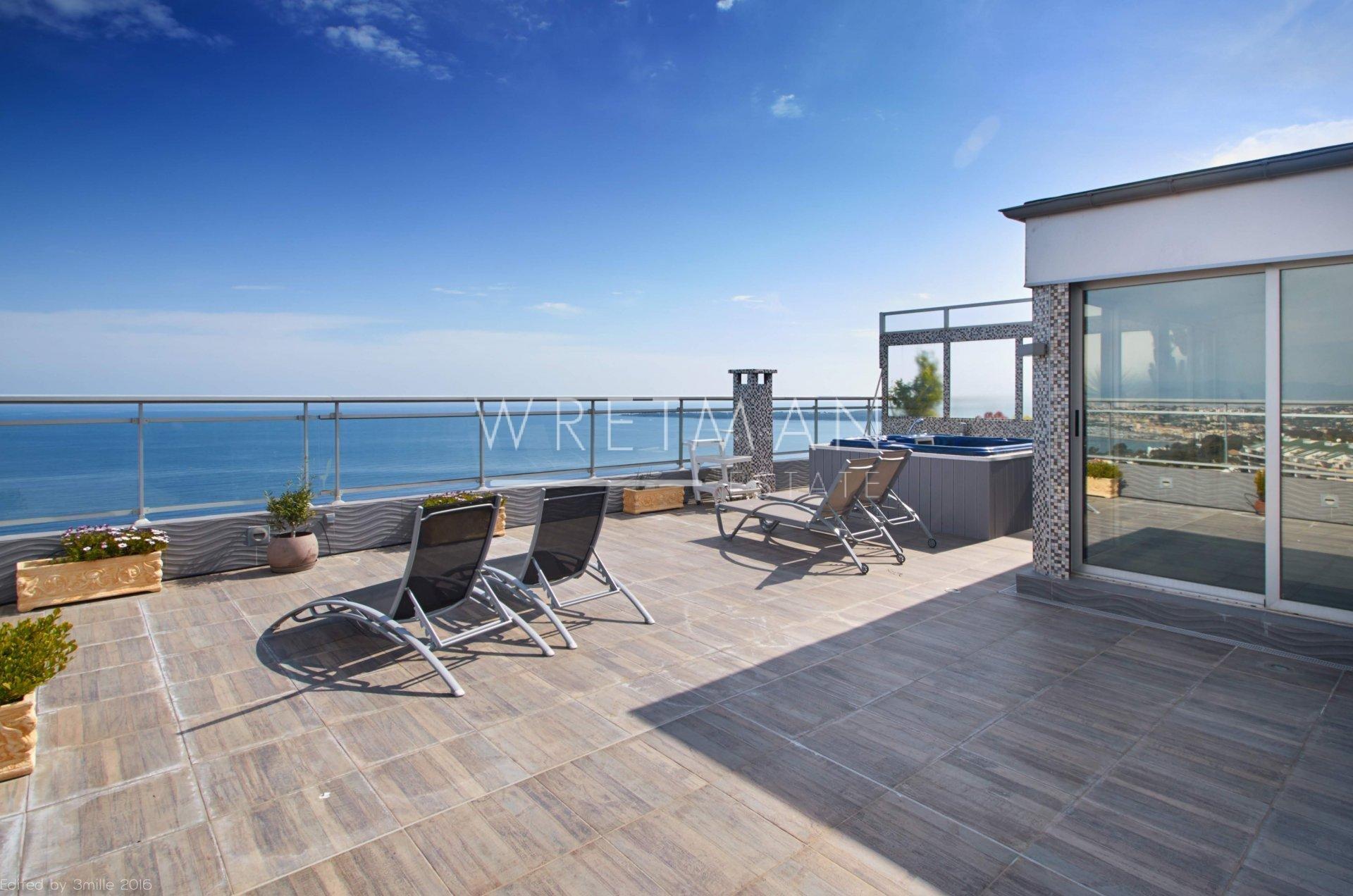Takvåning med fantastisk havsutsikt - Cannes californie