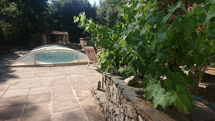 VILLA IN COUNTRYSIDE SETS ON 6129 M² WITH POOL