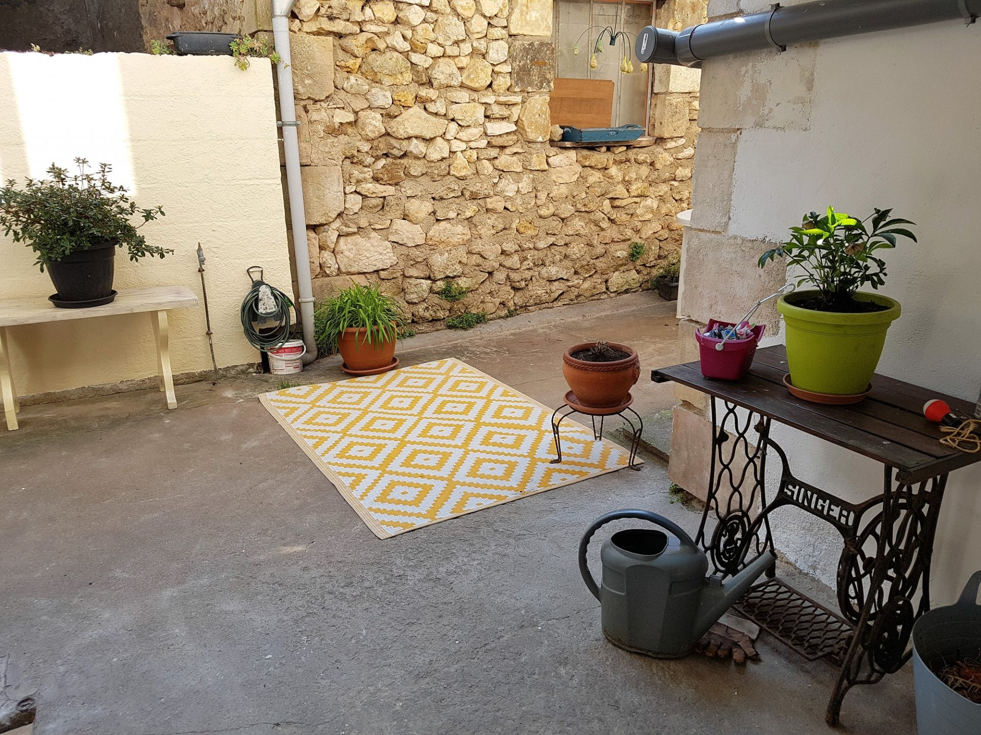Village house with courtyard for sale near Saint Savin 86