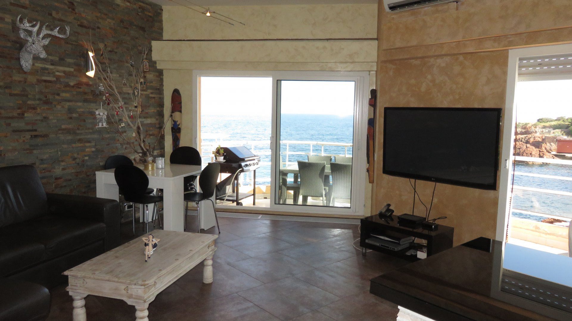 3 bedroom apartment 75 m² sea view dream!