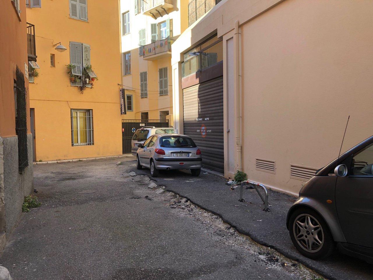 Parking - 2 Rue Aimé Barelli - Nice Riquier