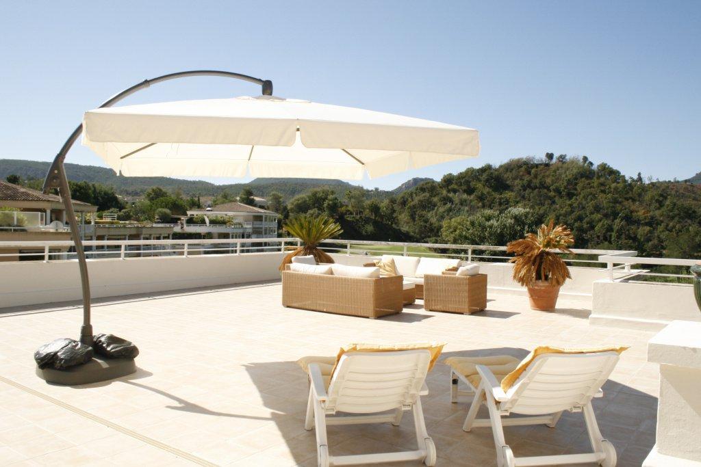 Villa sur le toit avec vue panoramique a coté du golf