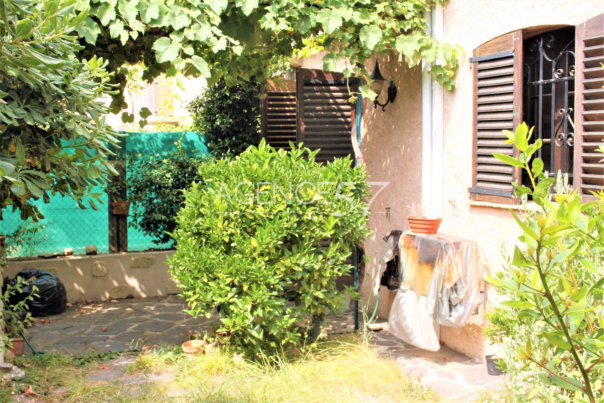 EXCLUSIVITE Grasse Sud villa 4 pièces, parking