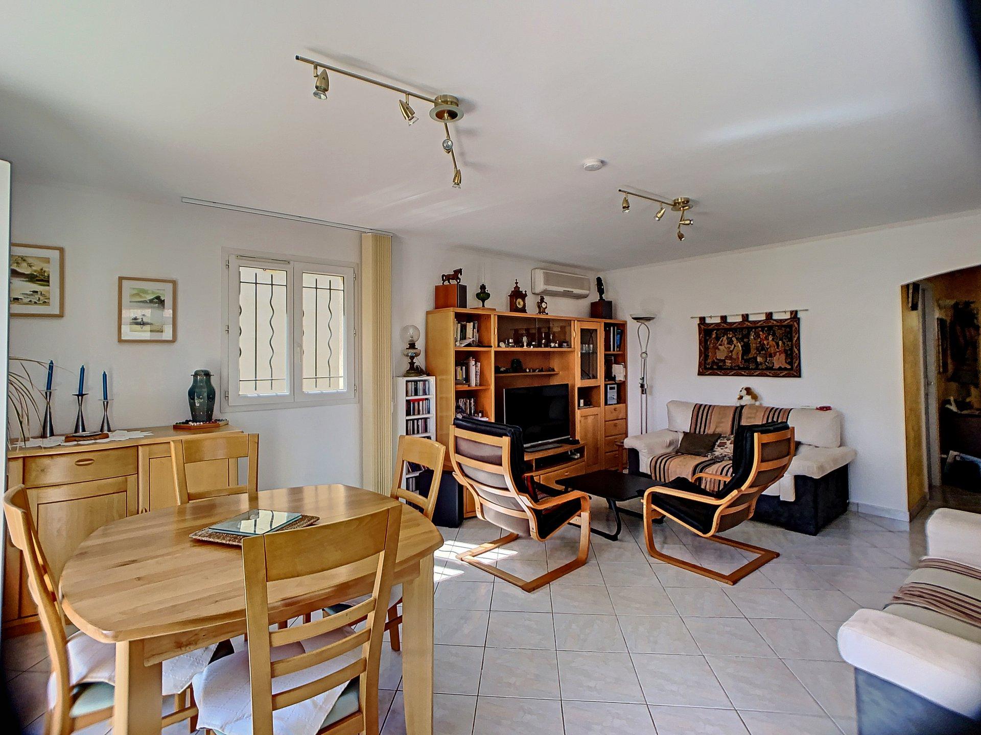 SAINT LAURENT DU VAR (06700) - Maison - 3 chambres  dont une de plain pied- 4 pièces