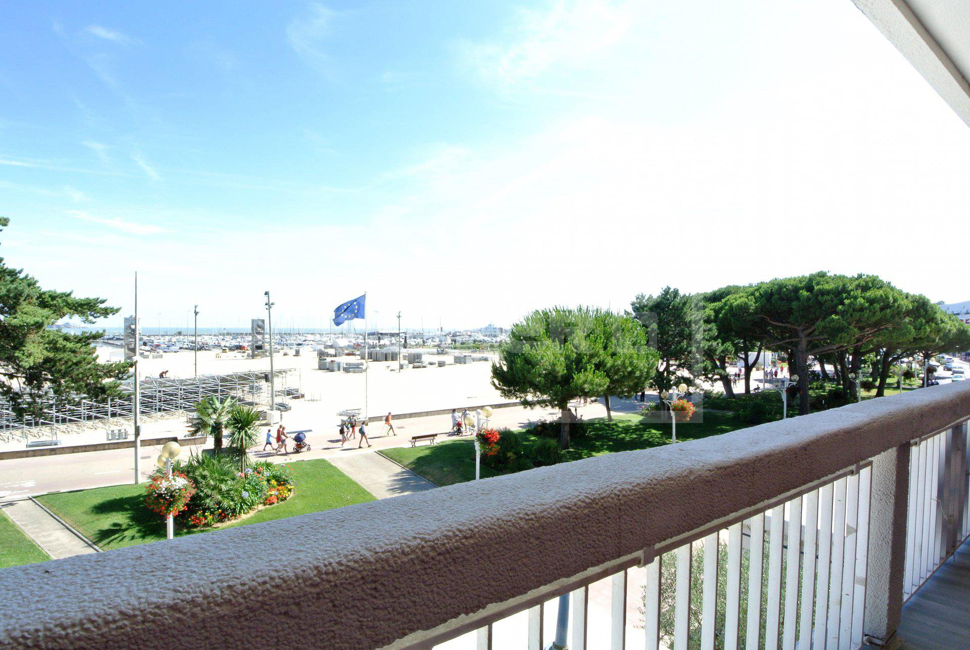 Vente VUE MER appartement  ROYAN CENTRE face plage
