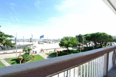 Sea View Apartment for Sale in Royan - 2 bedrooms.