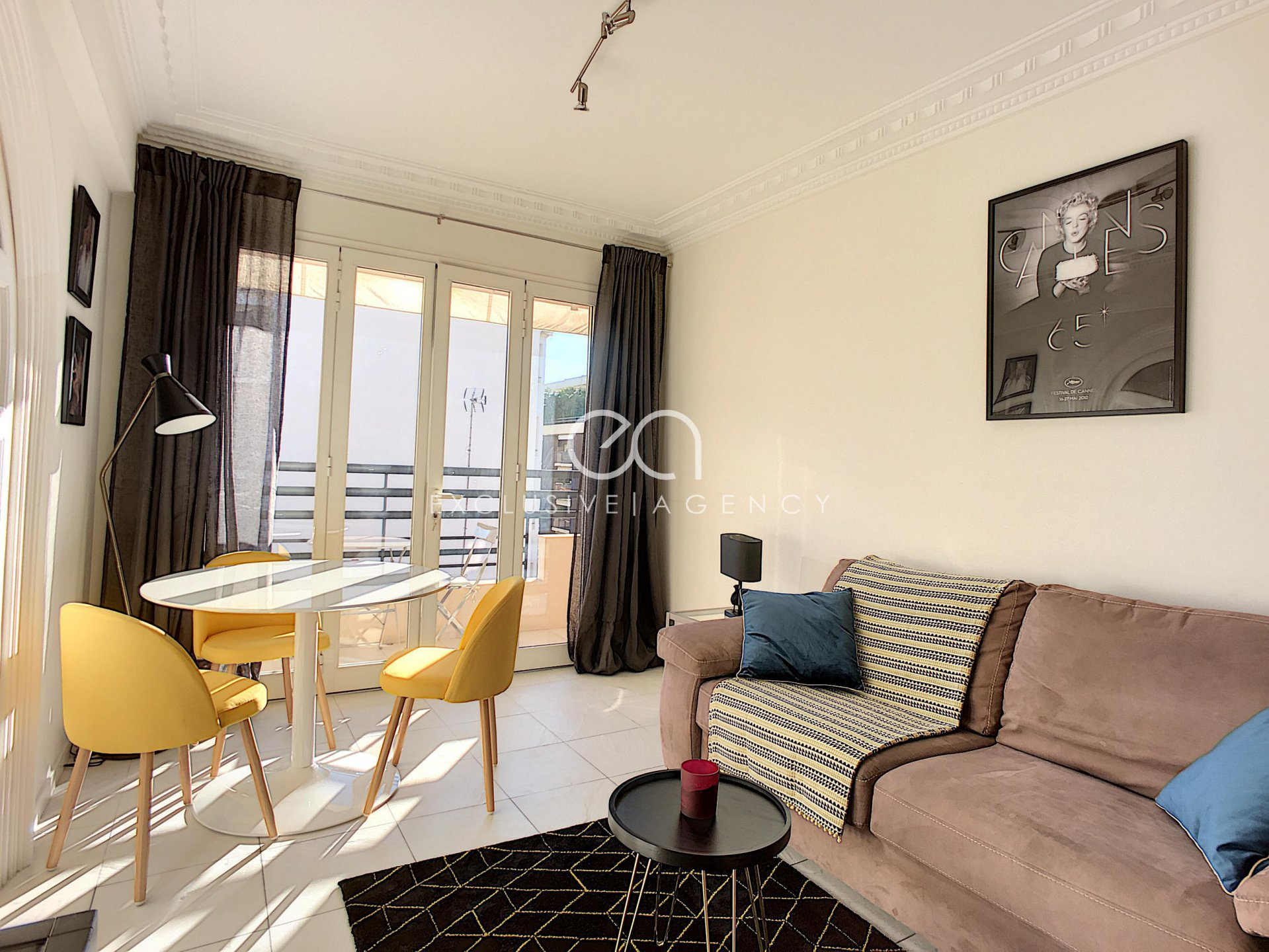 Shortly rental Cannes center 2-bedroom apartment 50sqm for 2 to 4 people.