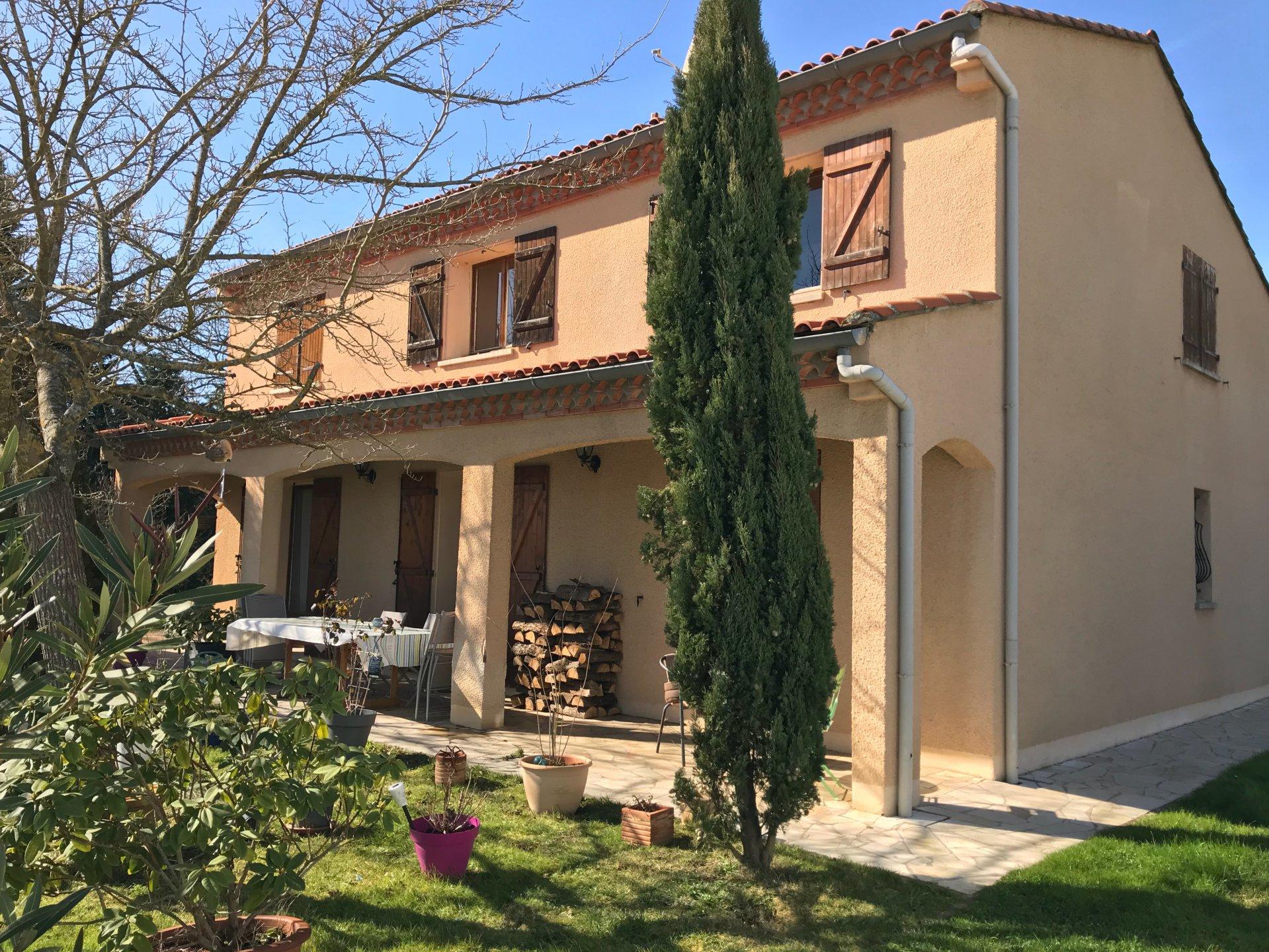Sale House - Saint-Élix-le-Château