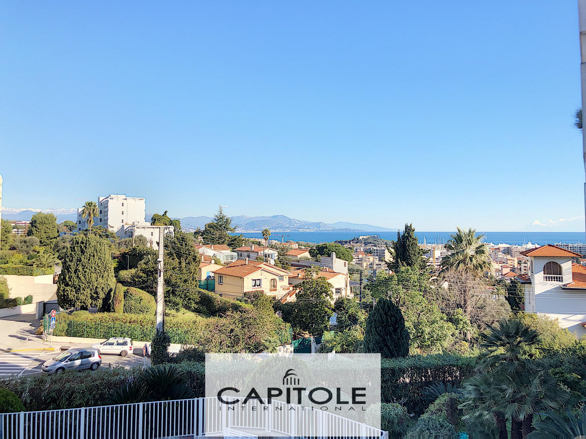 Antibes near town center, beautiful 2 bedroom flat