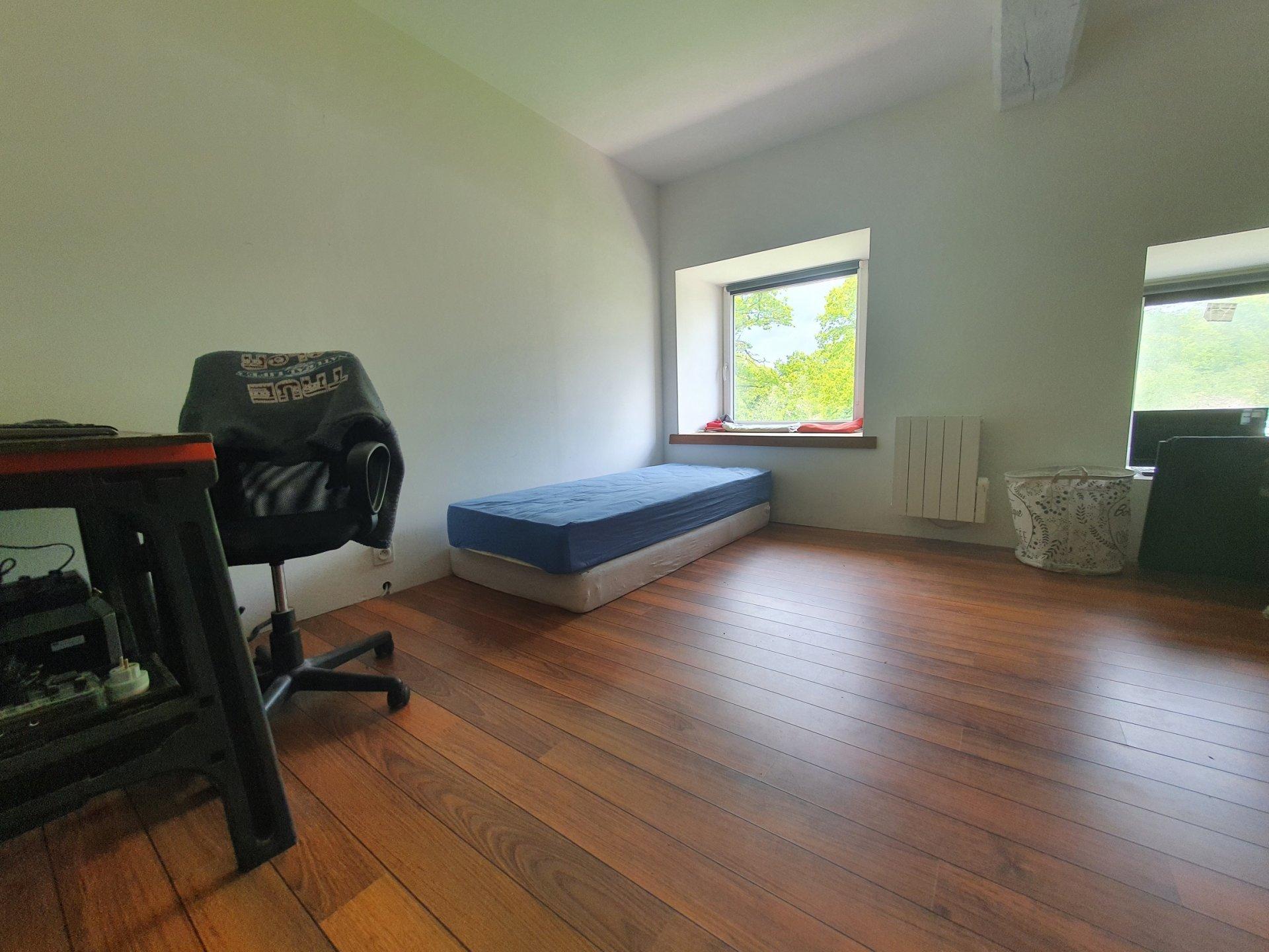 Proche centre-maison de 130 m² hab-terrain clos 411 m²