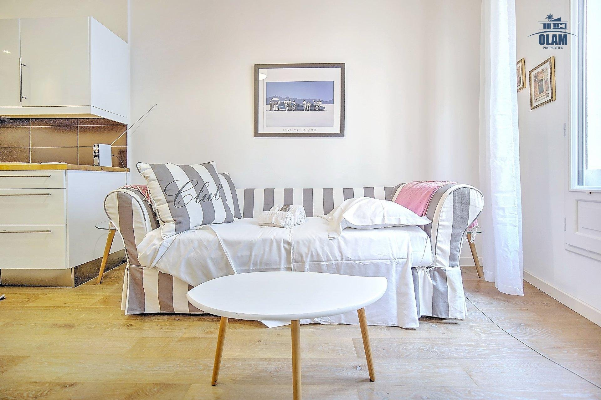 1-BEDROOM SEASONAL RENTING WITH BALCONY TRENDY DISTRICT OF CANNES