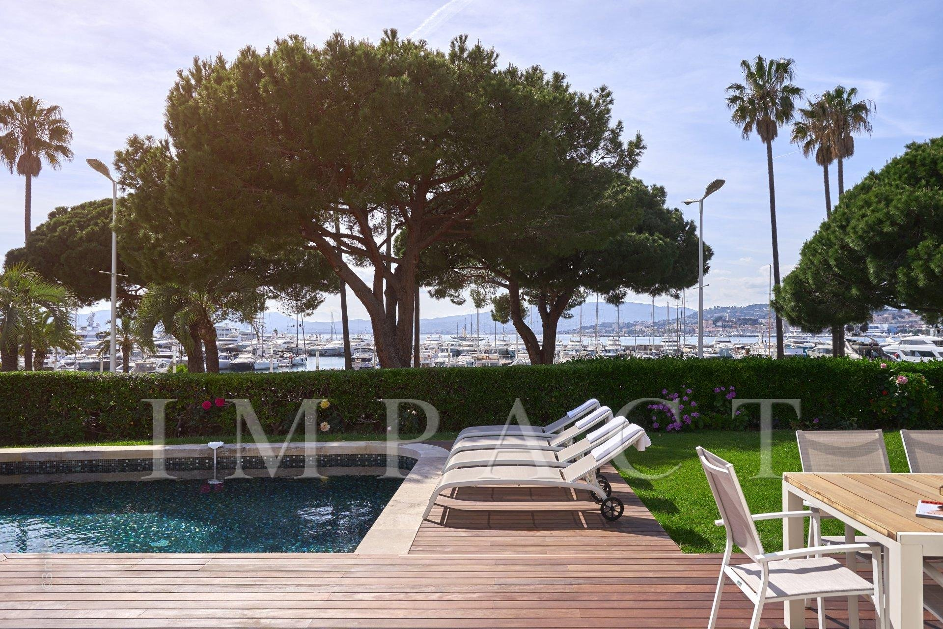 Renovated villa to rent of 350sqm located on the Croisette, Cannes