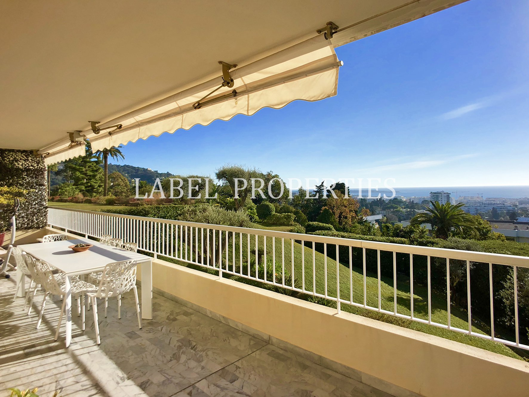 JOINT AGENT -  Large apartment with sea view and Estérel