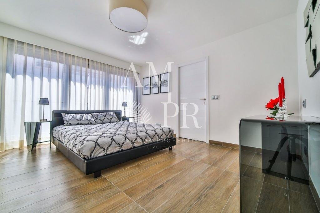 SEASONAL RENTAL MODERN 2 BEDROOMS CANNES CROISETTE